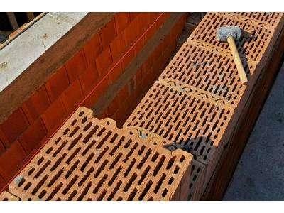 Стоит ли строить дом из керамических блоков